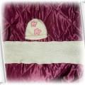 Śliczny biały komplecik czapka i szalik