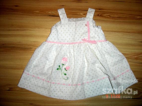 Sukienka biała śliczna 1 5 roku w różyczki