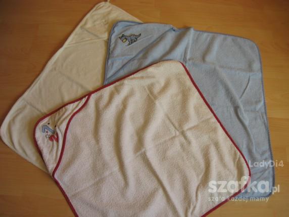 Trzy ręczniki kapielowe z kapturkiem