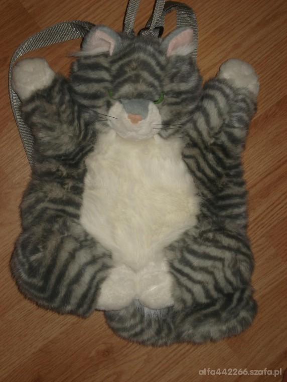 ładny plecaczek kotek