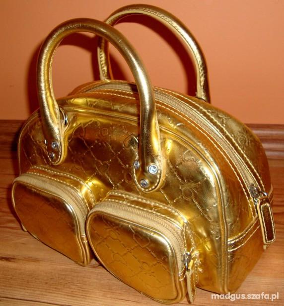 Elegancka złota torebeczka dla modnisi
