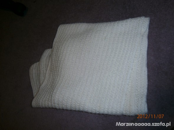 szalik ciepły i długi kolor biały
