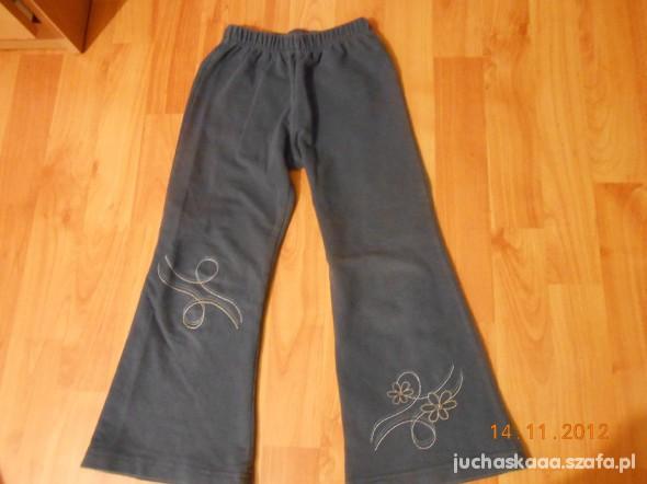spodnie dresowe na 104 110cm