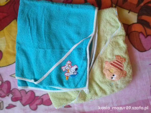 dwa ręczniki niemowlęce kąpielowe