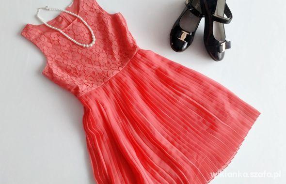650a2fabb3 CiA koralowa sukienka 134 w Sukienki i spódniczki - Szafa.pl