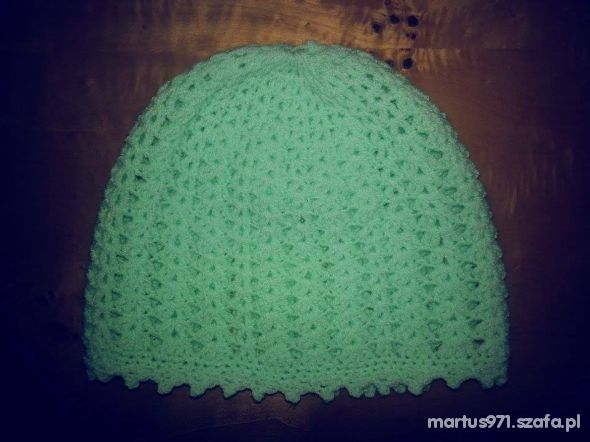 miętowa czapeczka ręcznie robiona