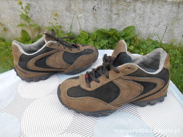 Sportowe Buty 32 chłopięce zamszowe