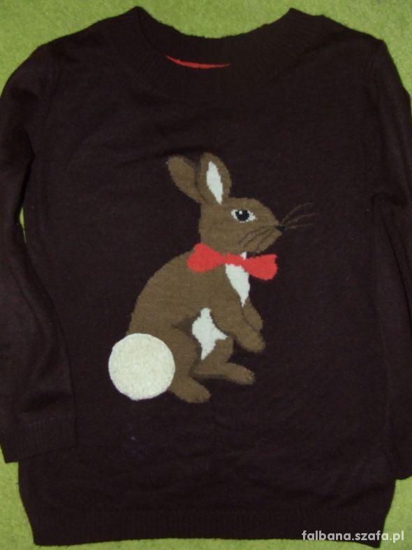 Śliczny mięciutki sweter z królikiem