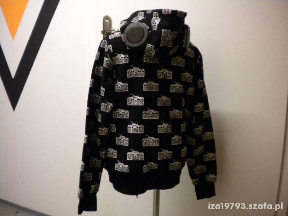 bluza z wbudowanymi głośnikami czarna rozmiar S 36