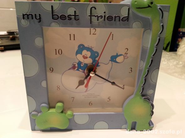 Zegar do pokoju dziecięcego bajkowy z misiem