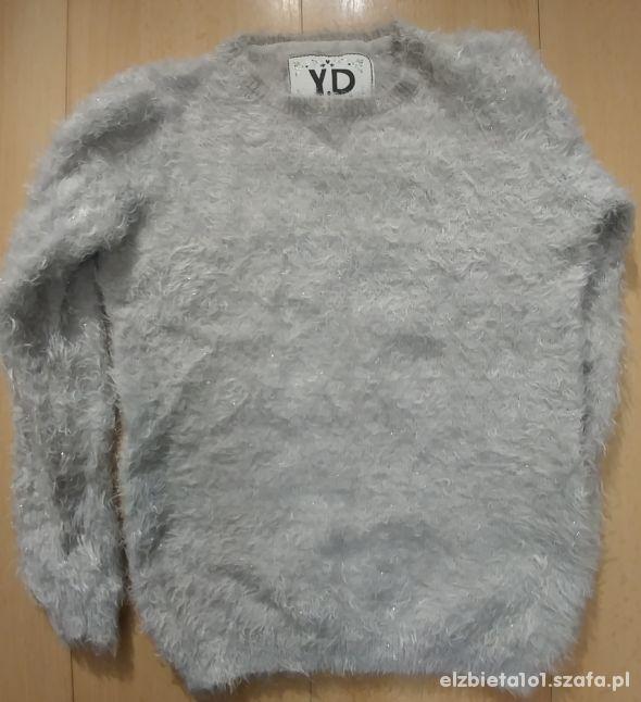 Włochaty sweterek Y D rozm 152