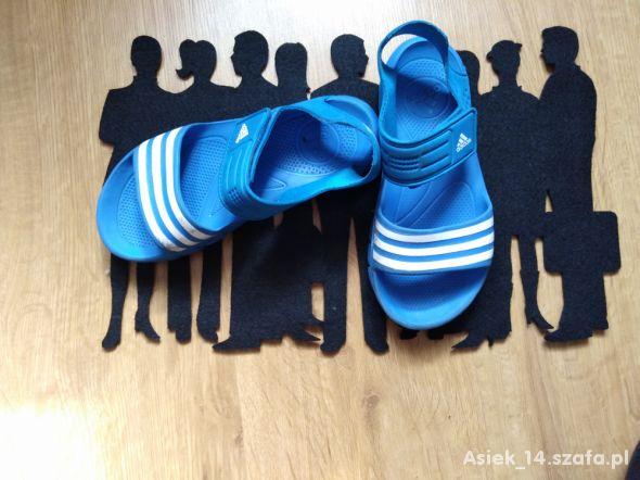 Niebieskie sandałki adidas