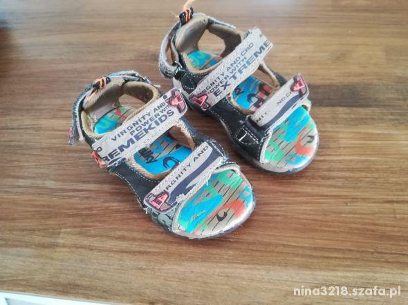 Sandałki rozm22