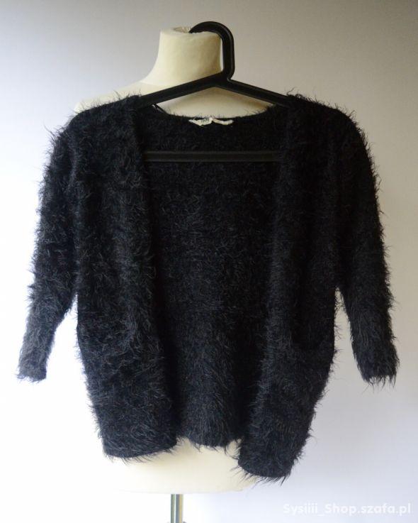 Sweter Czarny Włochaty Narzutka 110 116 cm 4 6 lat