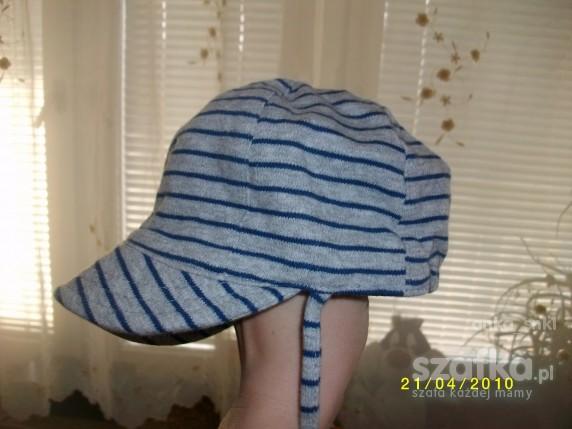 nowa czapeczka z H M