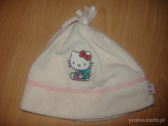 Polarowa czapka z Hello Kitty 4 6 lat