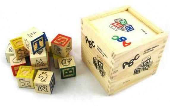 Klocki drewniane edukacyjne literki zwierzatka