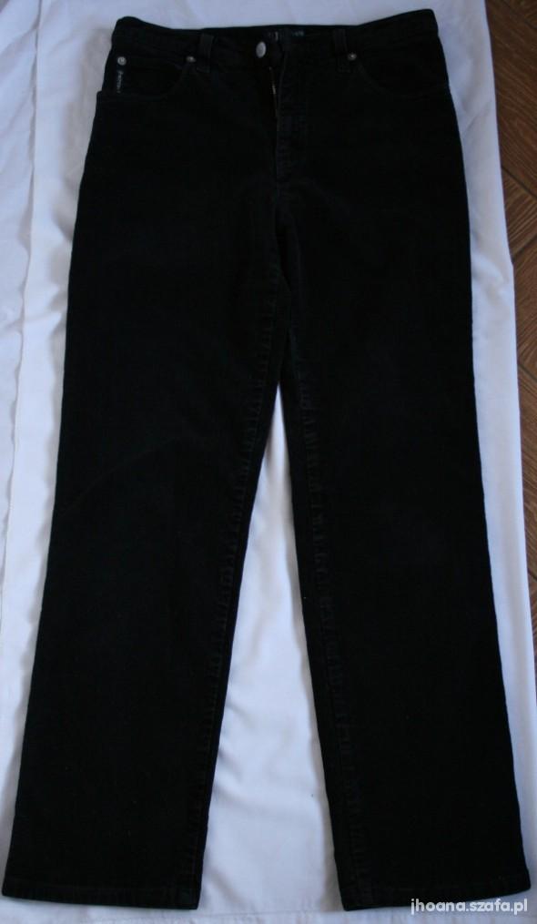 ARMANI JEANS chłopięce spodnie sztruksowe