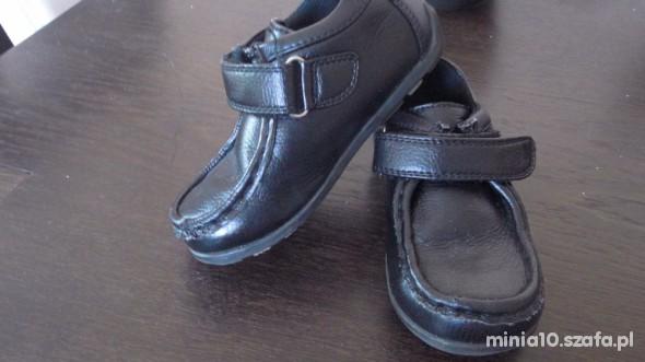czarne pantofelki