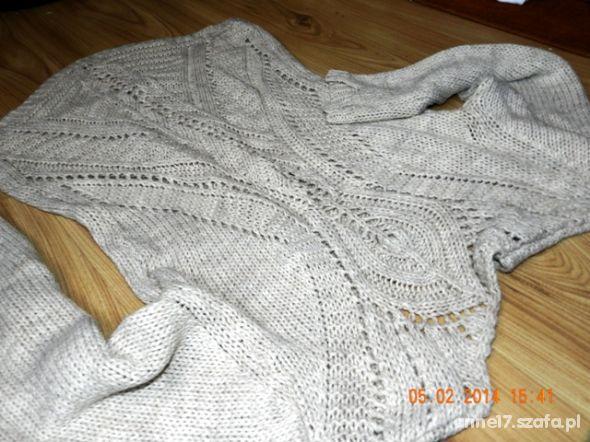 Cudowny sweterek NOWOŚĆ