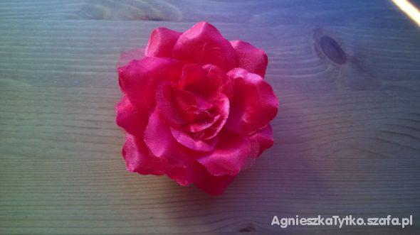 Róża do włosów lub do przypięcia do stroju