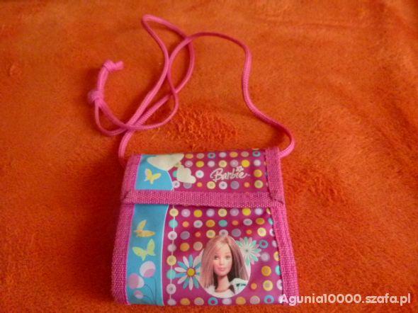 Portfelik na szyję od Barbie