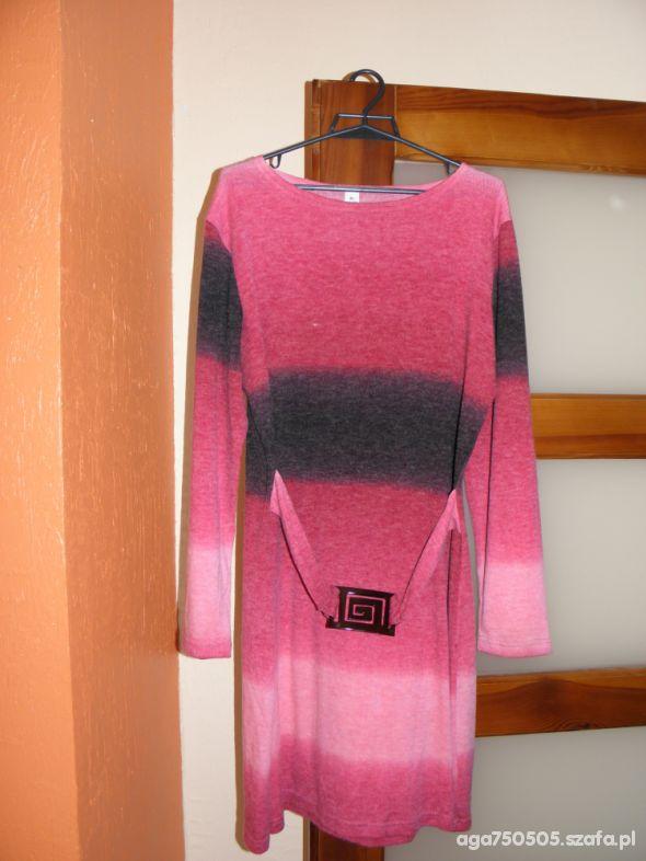 zestaw rzeczy na okres ciąży suknia tuniki spodnie