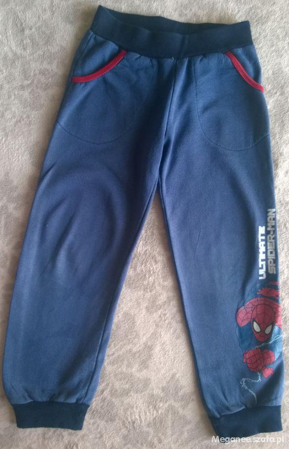 Spodnie dresowe SPIDERMAN rozm 122