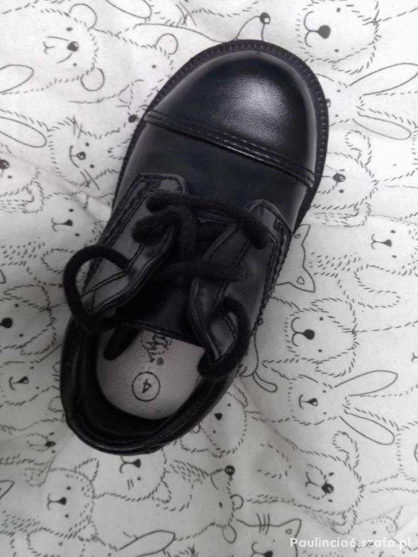 Czarne buciki eleganckie pantofle