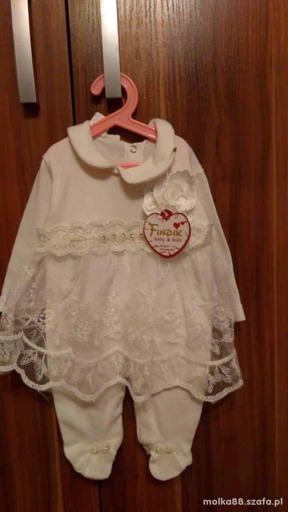 Sliczne spioszki z sukieneczka 62