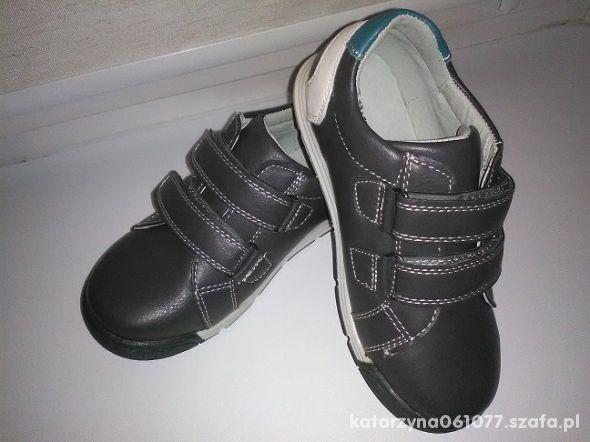 śliczne buciki nowe 28 dla chłopca ładne popielate