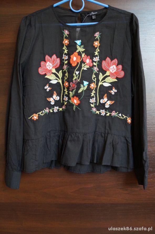 nowa bluzka z haftem M
