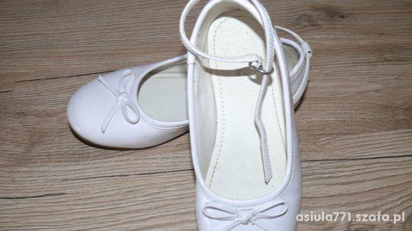 Białe balerinki roz 28