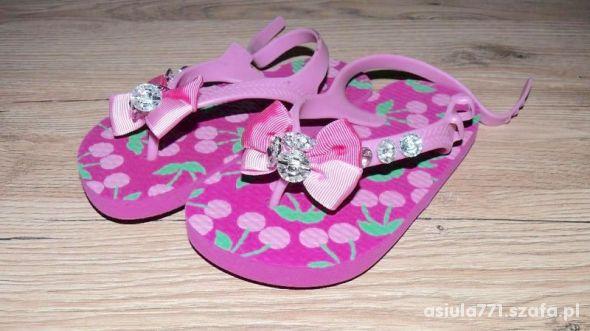 Sandałki śliczne dla dziewczynki roz 26