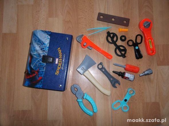 Zestaw narzędzi i walizka