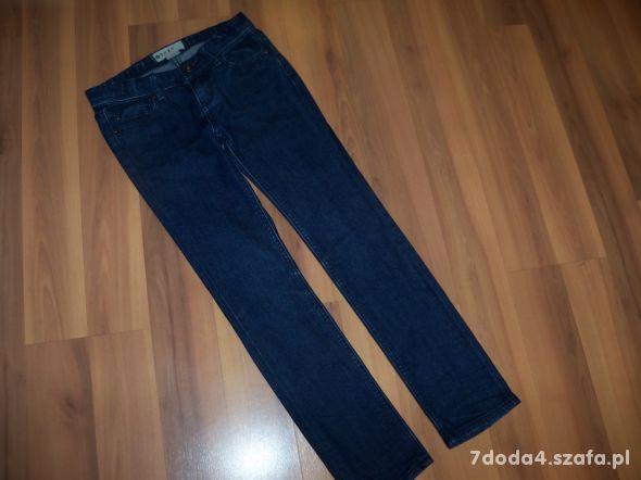 Spodnie roxy rozm 140