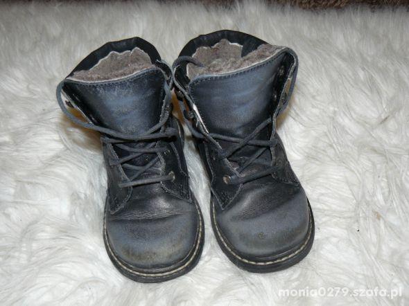Ciepłe skórzane buty Bartek 25